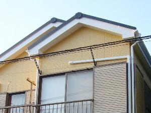 「グレーから淡いオレンジ色に塗り替えて明るい印象に(千葉県千葉市)」のAfter写真