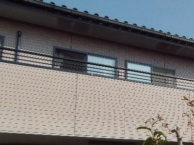 「築20年のタイル調サイディングの外壁塗装事例(東京都町田市)」のBefore写真