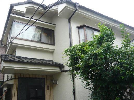 「雨どいや鉄部などの付帯部分まで、外観全体を一新しました(栃木県佐野市)」のAfter写真