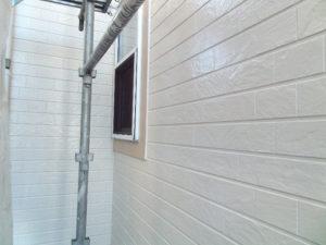 「築10年の格子柄サイディングの外壁塗装事例(東京都昭島市)」のAfter写真