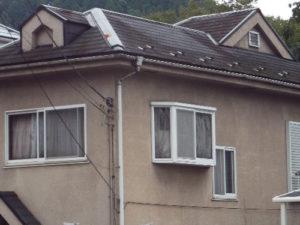 「老朽化していた外壁を徹底的に補修しました(神奈川県逗子市)」のBefore写真