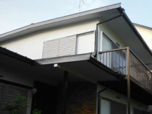「雨戸を外壁になじむグレーに塗り替えました(千葉県船橋市)」のAfter写真