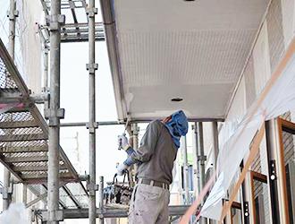 軒天には定期的な塗装が必要!