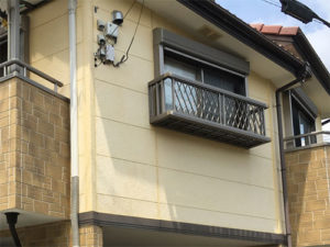 「コーキング劣化が激しかったサイディング外壁の事例(神奈川県愛川町)」のBefore写真