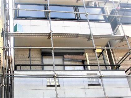 「隣家との距離が近い住宅の施工事例(神奈川県川崎市)」のBefore写真