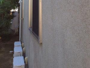 「モルタル外壁 新築時の白の美しさを取り戻す(神奈川県大磯町)」のBefore写真