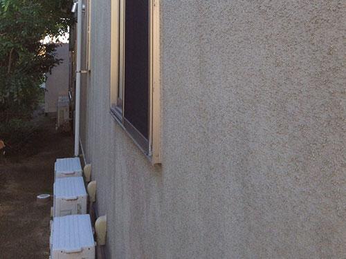 「モルタル外壁 新築時の白の美しさを取り戻す(神奈川県川崎市)」のBefore写真