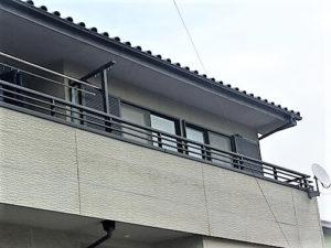 「クラック(ひび割れ)が多い戸建ての事例(神奈川県綾瀬市)」のBefore写真