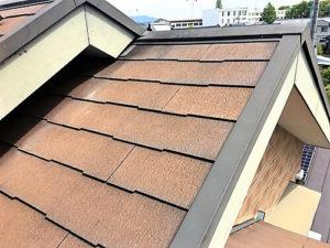 「大胆な外壁の色の変化と、屋根塗装(神奈川県逗子市)」のBefore写真