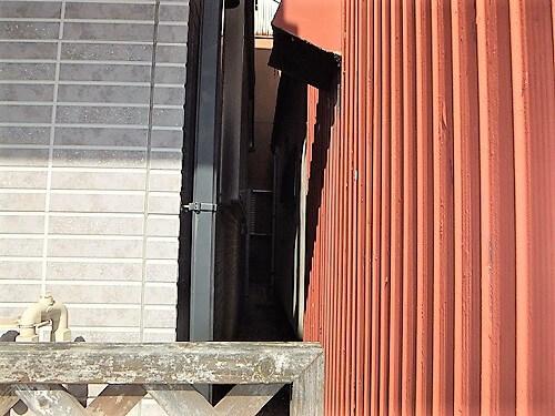 「近隣との距離が近い難しい施工(神奈川県横須賀市)」のBefore写真