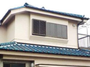 「黒ずんだモルタル外壁をツヤのあるクリーム色に(神奈川県平塚市)」のAfter写真