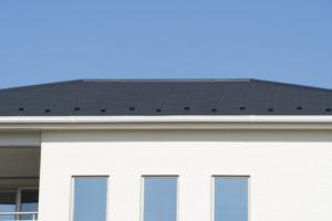 屋根でよく聞く「コロニアル」とは?特徴やメンテナンス方法を紹介