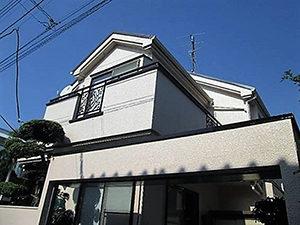 「植木で汚れやすい外壁を早めに塗装!鉄部もピカピカに!(神奈川県海老名市)」のAfter写真