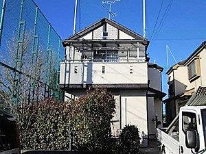 「細かな凹凸のある外壁や太陽光発電搭載屋根の塗装(神奈川県逗子市)」のAfter写真