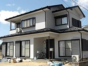 「黒ずみが見られるグレーの外壁を、光沢あるホワイトの外壁へ!(神奈川県大磯町)」のAfter写真
