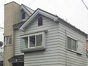 「外壁と併せて外構もトータルで塗装!統一感のある仕上がりに(神奈川県平塚市)」のBefore写真