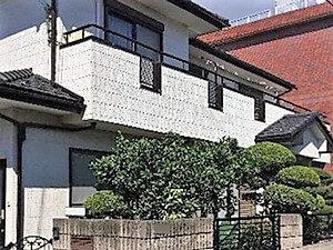 「定期的なメンテナンスと光触媒塗料で白く輝く外壁をキープ!(神奈川県三浦市)」のBefore写真