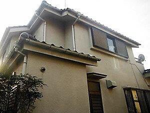 「クラックの発生していたモルタル住宅が新築のように変貌(神奈川県逗子市)」のBefore写真