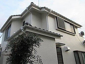 「クラックの発生していたモルタル住宅が新築のように変貌(神奈川県逗子市)」のAfter写真