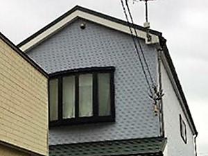 「コーキング打ち替え補修も実施!生まれ変わったサイディング外壁(神奈川県座間市)」のBefore写真