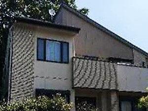 「劣化したコーキングを打ち替えて外壁もベランダも防水性能を取り戻した施工例(神奈川県逗子市)」のBefore写真