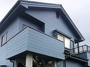 「外壁も付帯部分も万全!部位別に最適の補修・塗装方法で生まれ変わったブルー外壁への塗り替え(神奈川県南足柄市)」のAfter写真