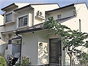 「黒ずみのひどい外壁が塗装で生まれ変わった事例(神奈川県座間市)」のAfter写真