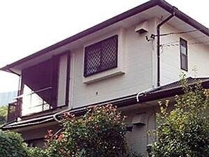 「破損していた付帯部分もトータルメンテナンスしたK様邸(神奈川県逗子市)」のBefore写真