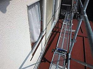 「サビた下屋根と付帯部分を塗装でリフォームしたS様邸(東京都多摩市)」のBefore写真