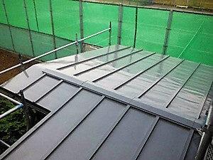 「サビた下屋根と付帯部分を塗装でリフォームしたS様邸(東京都多摩市)」のAfter写真