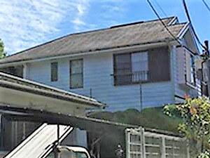 「汚れ・色あせの目立つ屋根や外壁、ヒビの入っていた塀が一新!(東京都多摩市)」のBefore写真
