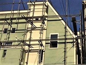 「約20年の長耐久のアポリテック塗料で塗装!色あせた外壁が大変身(東京都大田区)」のBefore写真