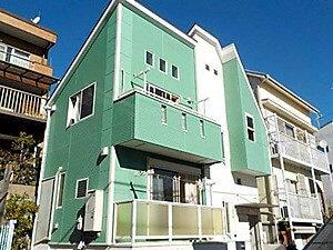 「約20年の長耐久のアポリテック塗料で塗装!色あせた外壁が大変身(東京都大田区)」のAfter写真