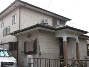 「サイディング外壁をフッ素塗料で外壁塗装した事例(神奈川県南足柄市)」のBefore写真