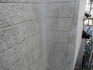 「新築から1度も外壁塗装しなかった住宅が美しく変貌した事例(神奈川県大磯町)」のBefore写真