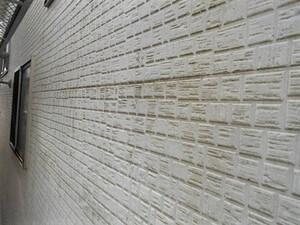 「外壁と屋根とバルコニーをまとめて塗装!ツートンカラー+断熱塗料も用いた事例(神奈川県平塚市)」のBefore写真