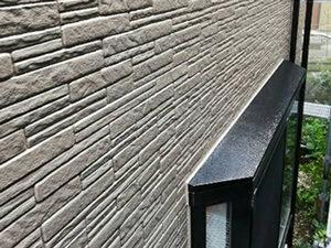 「タイル調のサイディングをフッ素塗料で美しく塗り替えた事例(東京都目黒区)」のAfter写真