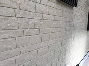 「色あせた外壁とチョーキングの発生した雨どいを塗り替えメンテナンス(東京都多摩市)」のAfter写真