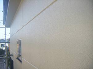 「コケの生えたALC外壁を塗り替え!コーキングで欠損補修した事例(東京都町田市)」のAfter写真