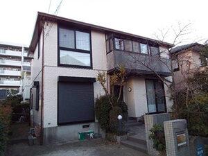 「サイディングがひび割れた2世帯住宅をブラウンカラーで外壁塗装(東京都大田区)」のAfter写真