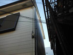 「コーキングのヒビ割れたALC外壁を塗り替え!美しさを取り戻した事例(東京都八王子市)」のBefore写真