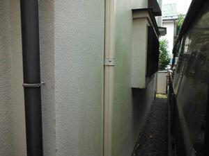 「外壁・屋根・バルコニーを同時に塗装!モルタルの浮き補修の様子も紹介(神奈川県平塚市)」のBefore写真