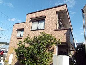 「タイル外壁の美観を整えるため、クリアー塗装を実施した事例(神奈川県愛川町)」のBefore写真
