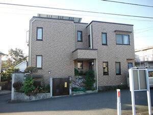 「タイル外壁の美観を整えるため、クリアー塗装を実施した事例(神奈川県愛川町)」のAfter写真