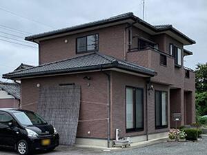 「ひび割れたサイディング外壁を塗り替え!美観を取り戻した事例(東京都目黒区)」のBefore写真