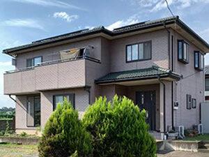 「色あせたサイディングを外壁塗装!ブラウンのモダンな住宅に変身(東京都大田区)」のBefore写真