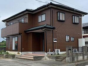 「色あせたサイディングを外壁塗装!ブラウンのモダンな住宅に変身(東京都大田区)」のAfter写真
