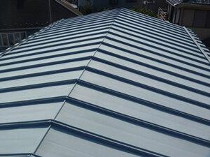 「トタンの屋根を遮熱塗料で塗り替え工事した事例(神奈川県三浦市)」のBefore写真