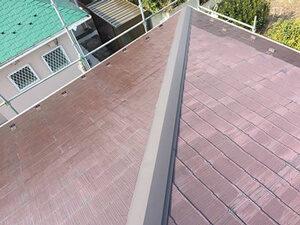 「色あせたスレート屋根をブラウンカラーで塗り替え工事(神奈川県南足柄市)」のBefore写真