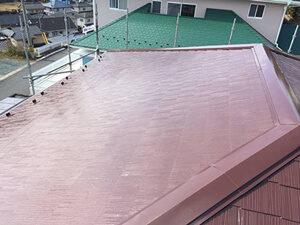 「色あせたスレート屋根をブラウンカラーで塗り替え工事(神奈川県南足柄市)」のAfter写真